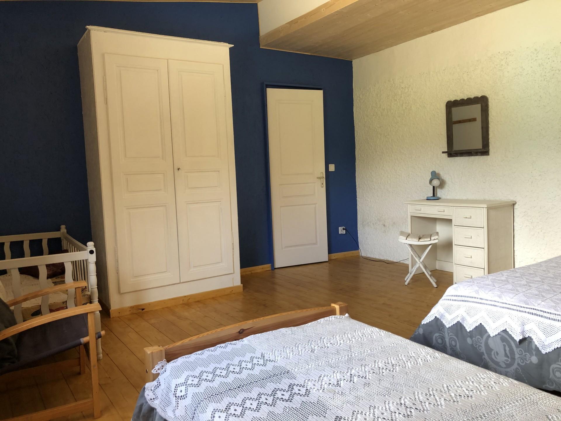 Chambre 2 - lit bébé